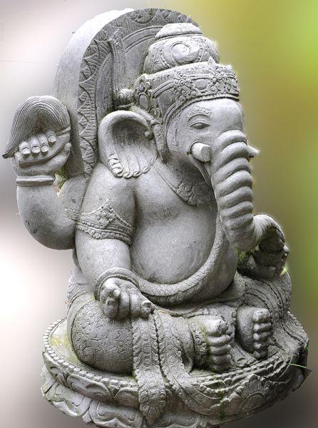 Ganesha Höhe 120 cm Flussstein