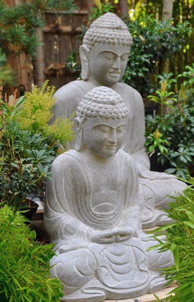 Daibutsu aus Flussstein, h 50 cm