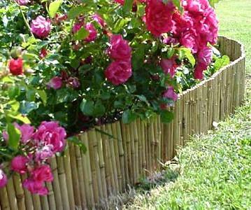 Bambusrollzaun als Beetumrandung mit 35 cm Höhe