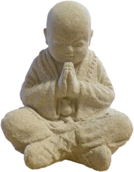 Betender Mönch aus Formstein