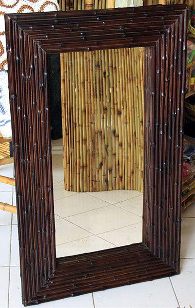 Spiegel mit dunklem Bambusrahmen