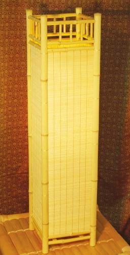 Quadro III, Stehlampe