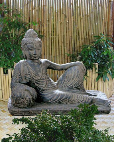 Halbliegender Buddha, Lavaguss