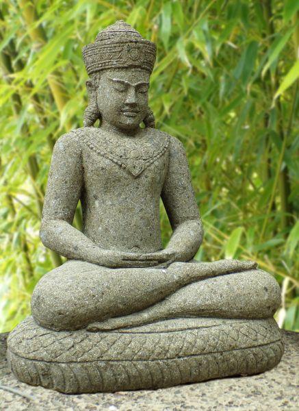 Khmer Buddha auf dem Schlangenthron