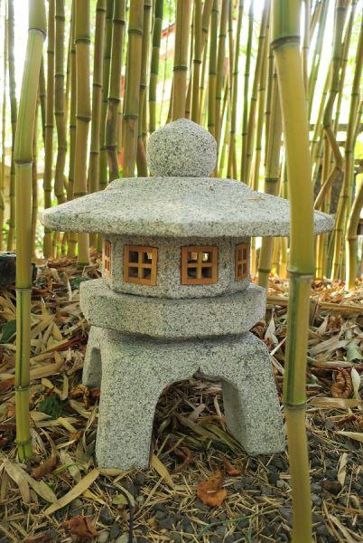 Steinlaterne Sennyuyi Yukimi