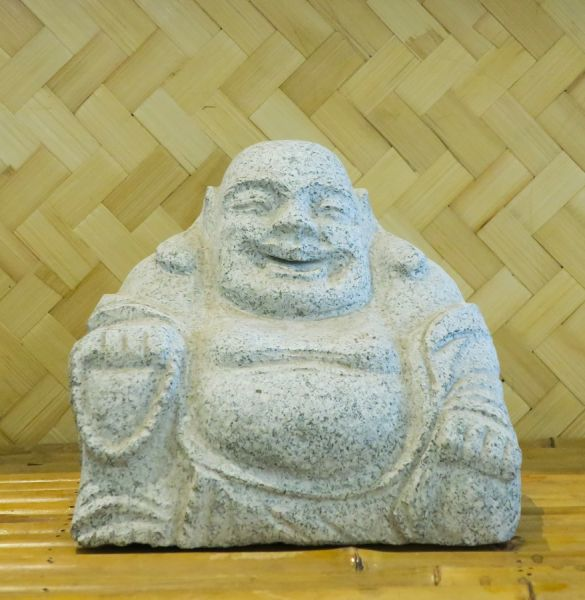 lachender Buddha aus Granit