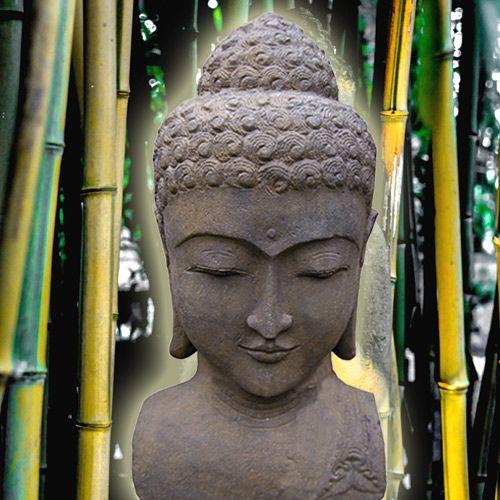Buddha-Büste, aus Lavastein geschlagen