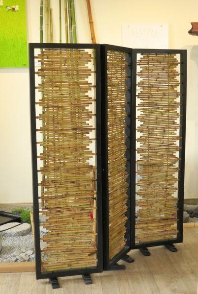 Bambus-Paravent mit schwarz lackiertem Rahmen