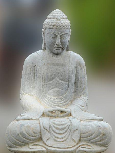 Daibutsu aus Flussstein, h 100 cm